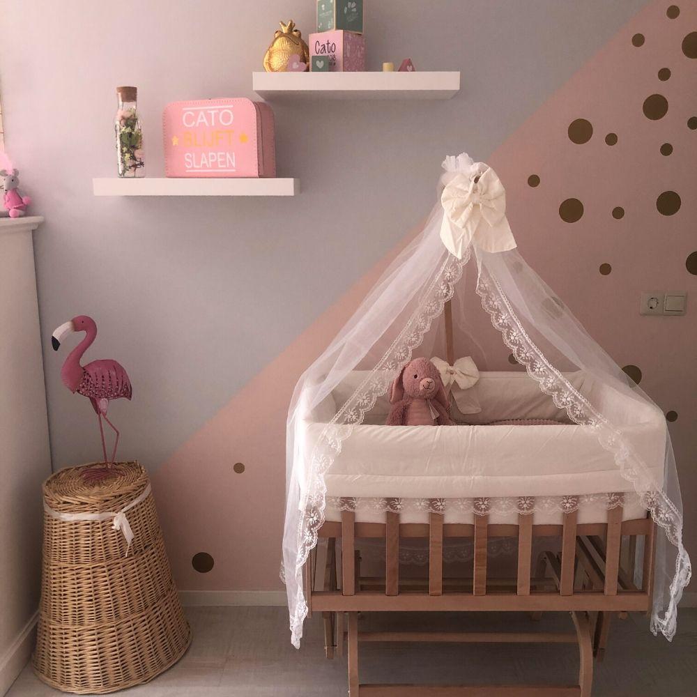 wiegjes - babywiegje babyrace in babykamer roze - schommelwieg